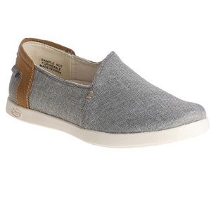 Chaco Ionia gray canvas slip on shoe -sz 10.5